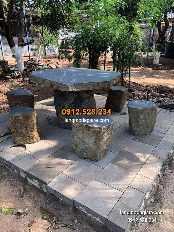 Bàn ghế đá xanh đẹp chất lượng cao giá hợp lý thiết kế đơn giản