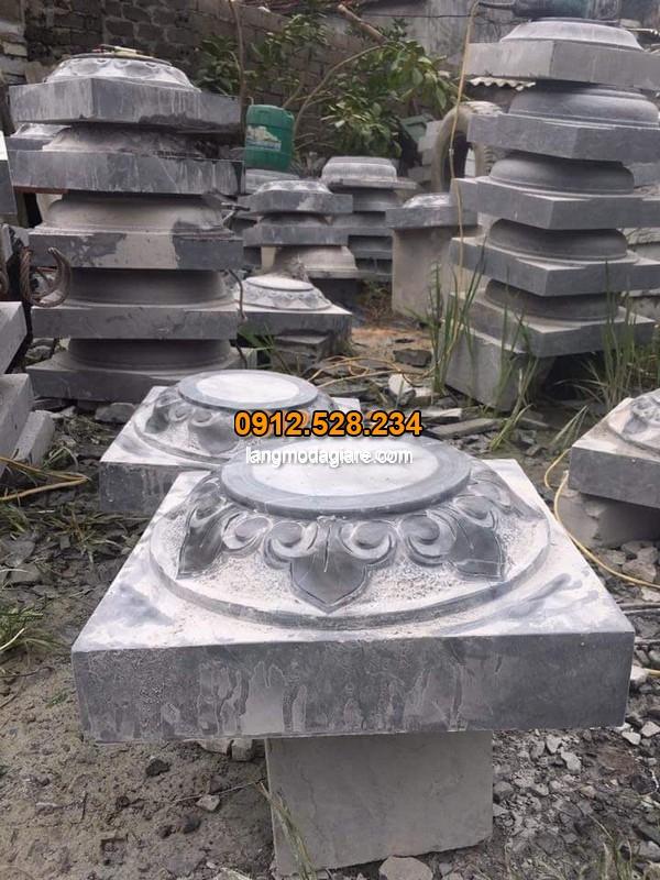 Chân cột đá hình tròn chạm khắc hoa văn độc đáo