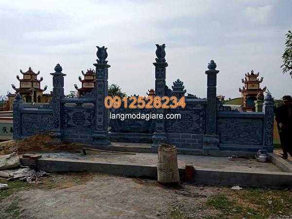 Cột đá đẹp cho khu lăng mộ
