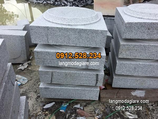 Chân tảng đá chạm khắc tinh tế chất lượng cao giá hợp lý