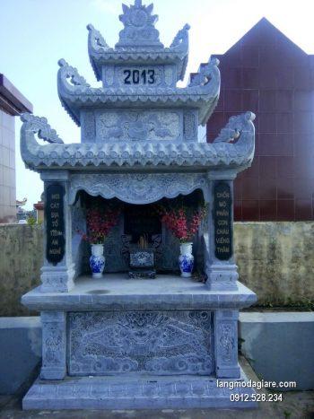 Mẫu mộ 3 mái đá xanh khối giá rẻ thiết kế hiện đại