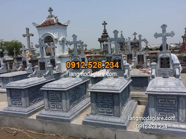 Mộ đá công giáo xanh chạm khắc tinh tế chất lượng cao giá tốt