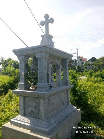 Mộ đá công giáo xanh chạm khắc tinh tế chất lượng tốt giá hợp lý