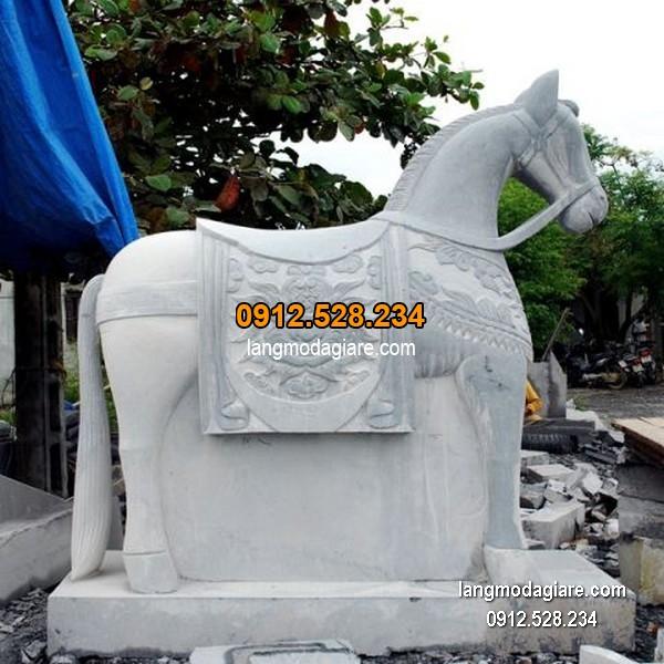 Con ngựa đá phong thủy đẹp nhất chất lượng cao giá tốt