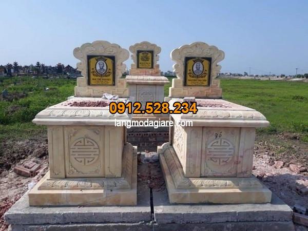 Mẫu lăng mộ được làm từ đá cao cấp