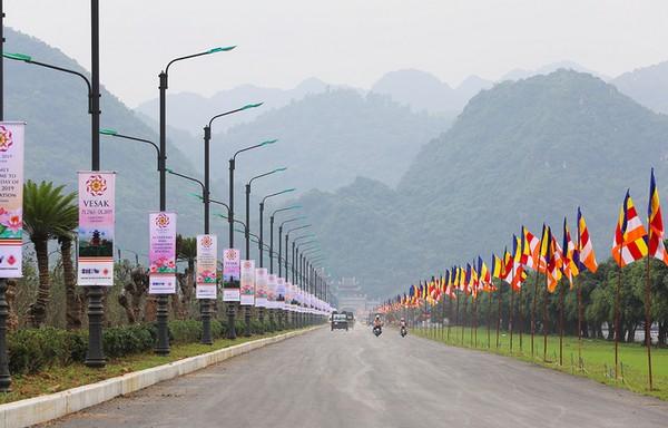 Địa chỉ và cách đi đến chùa Tam Chúc