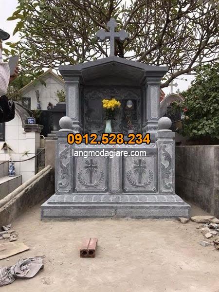 Mẫu mộ đá công giáo trạm khắc hoa văn tinh sảo