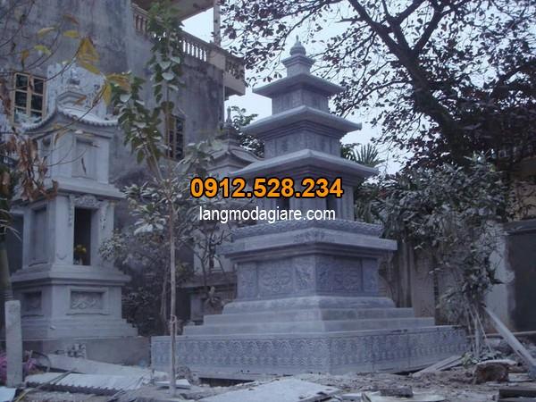 Mẫu mộ đá hình tháp được thiết kế đơn giản