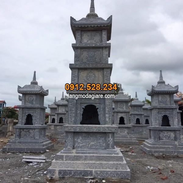 Mộ tháp đá được chế tác với kích thước chuẩn phong thủy