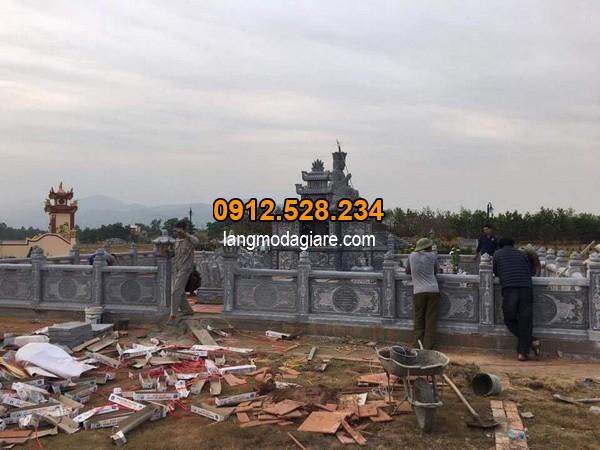 Khu lăng mộ đá được đặt trên thế đất đẹp tại Ninh Vân