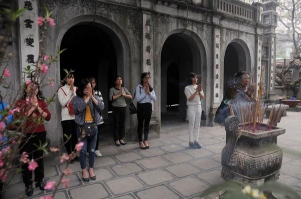 Nội dung bài văn khấn cầu duyên tại Chùa Hà
