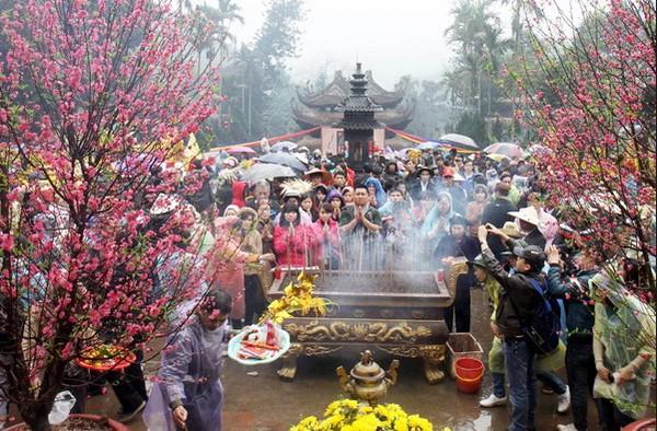 Nội dung những bài văn khấn đi chùa Hương