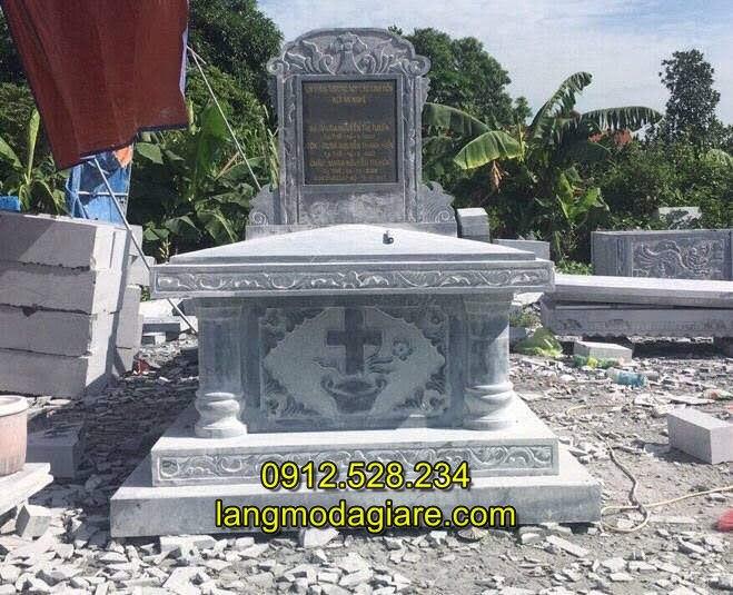 Mẫu mộ đạo thiên chúa giáo
