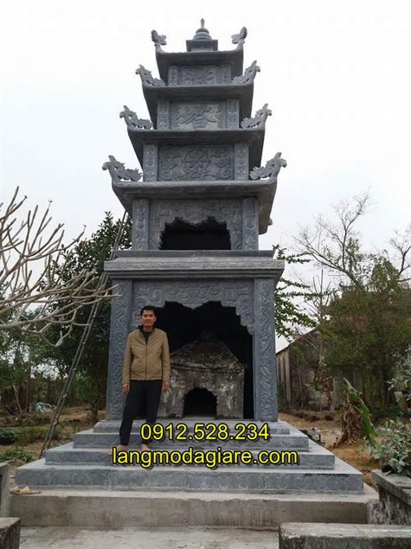 Mẫu mộ tháp đá cho người theo đạo