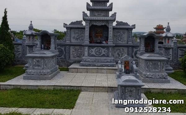Lăng mộ đá đẹp được làm từ đá xanh cao cấp tại Lâm Đồng