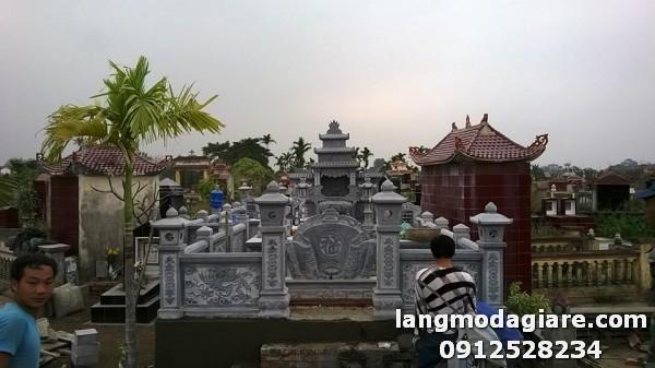 Mộ đá và khu lăng mộ đá tại Lâm Đồng
