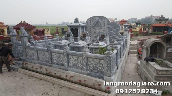 Lăng mộ đá được trạm khắc hoa văn công phu nhất