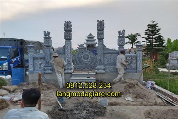 Mật trước khu lăng mộ đá đẹp tại Hải Dương