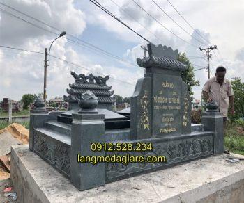 Mẫu mộ đôi bằng đá xanh rêu chất lượng tốt