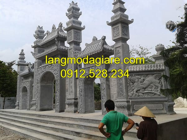 Mẫu cổng tam quan được làm từ đá xanh cao cấp