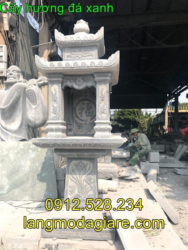 Mẫu cây hương bằng đá có mái che