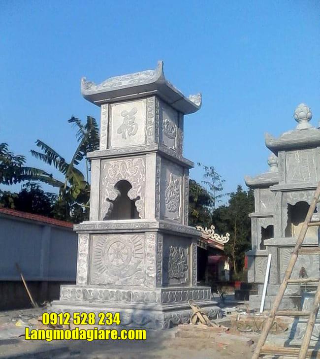 mẫu mộ đá hình tháp tại Ninh Thuận